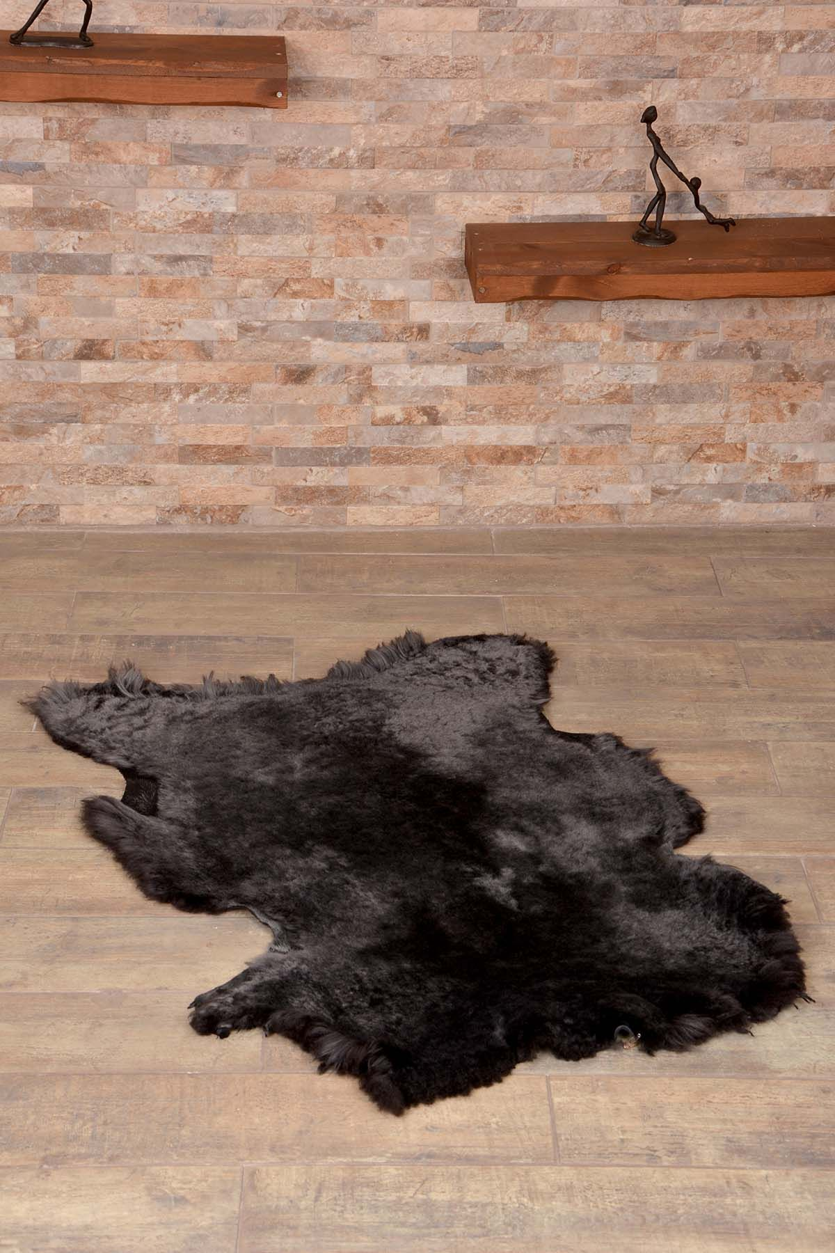 Erdogan Deri Decorative Sheepskin Rug Black