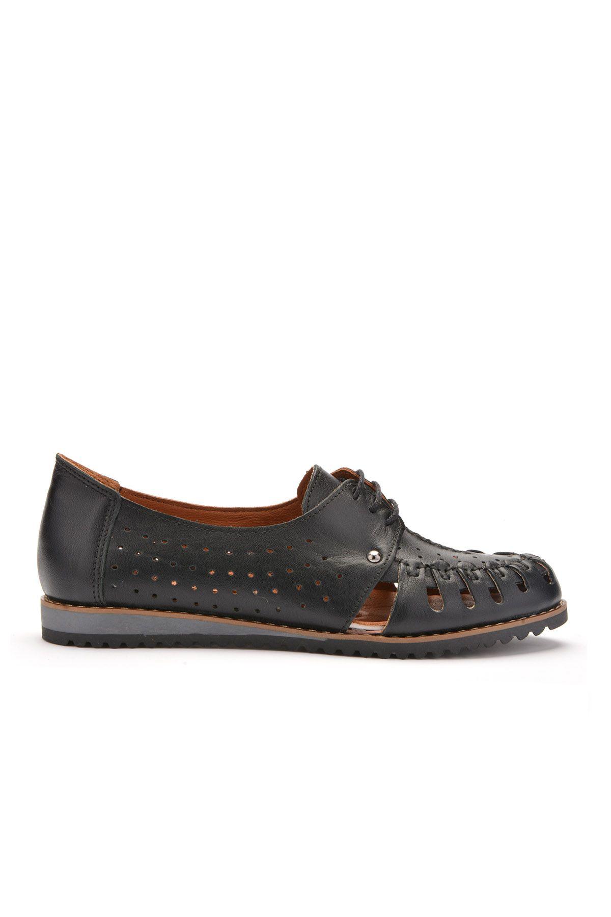Pegia Hakiki Deri Bağcıklı Bayan Ayakkabı REC-123 Siyah