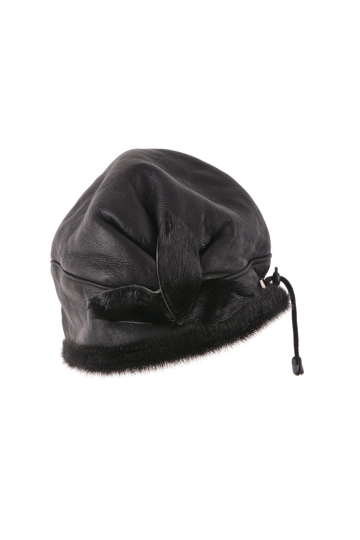 Pegia Hakiki Deri Çiçek Detaylı Bayan Şapka 18AS17 Siyah