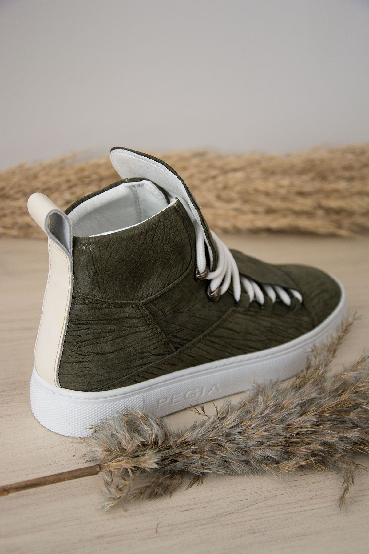 Pegia Genuine Leather Women's Sneaker LA1313 Khaki