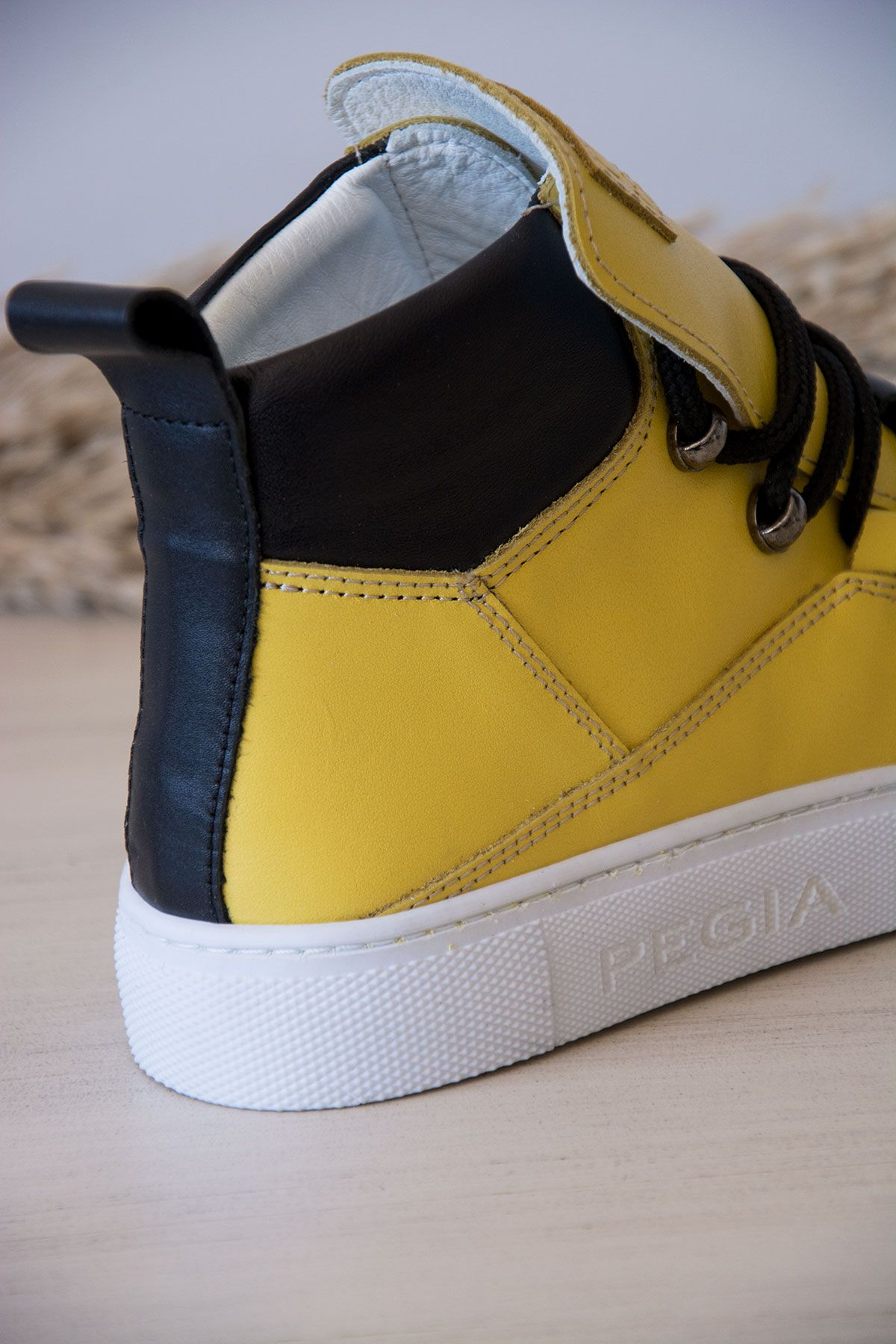 Pegia Genuine Leather Women's Sneaker LA1320 Yellow