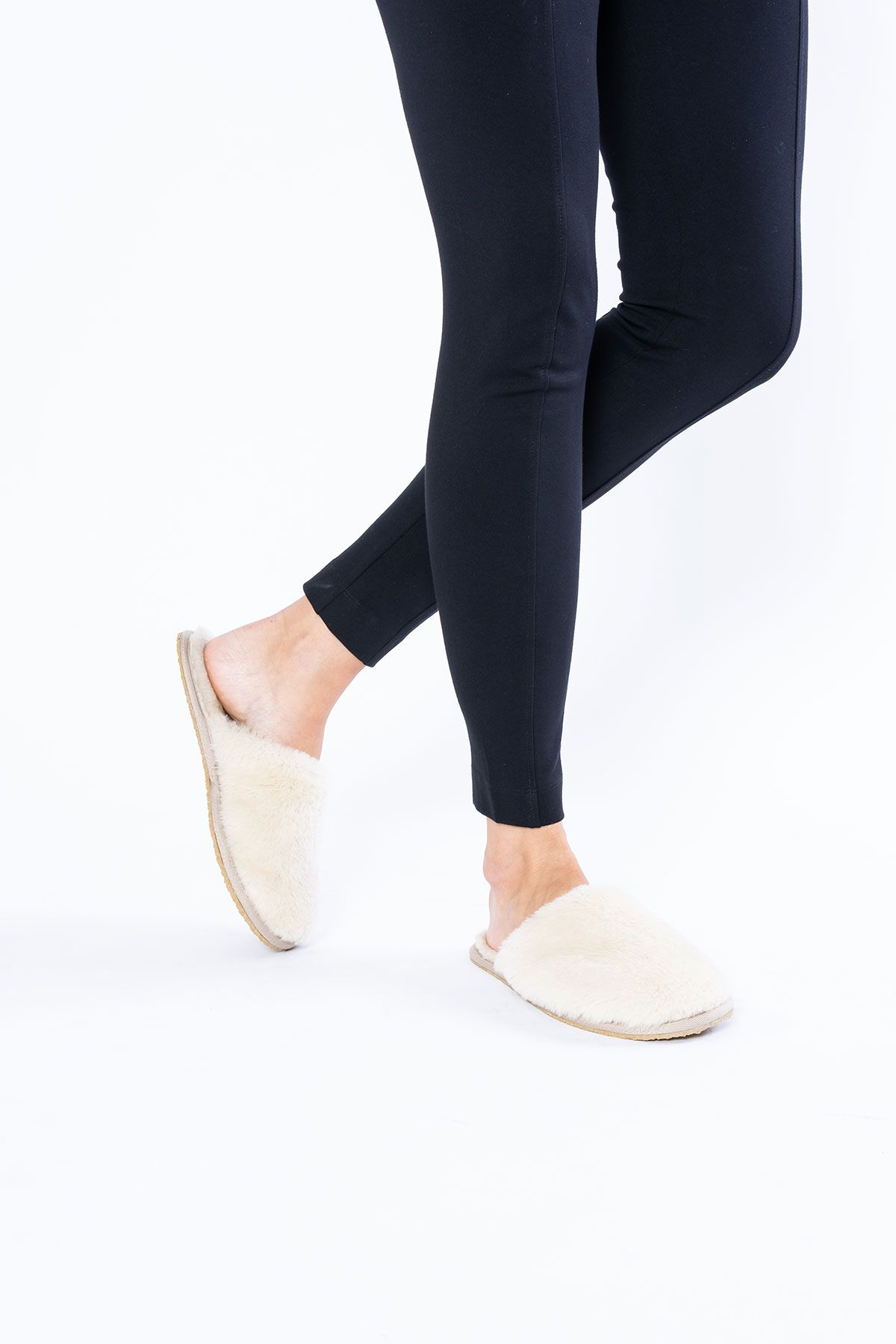 Pegia Women Shearling Slippers 191092 Beige