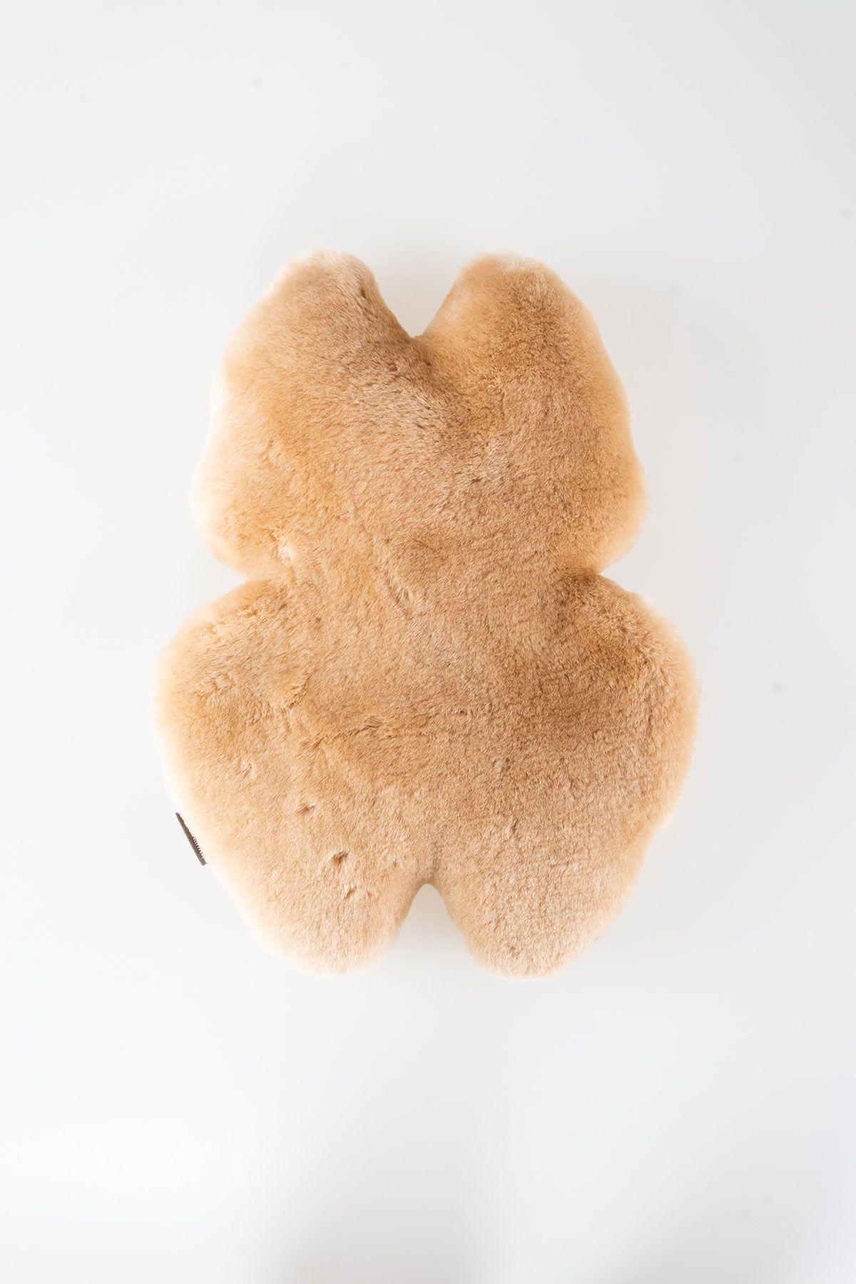 Pegia Sheepskin Toy Kitty 20TOY04 Brown