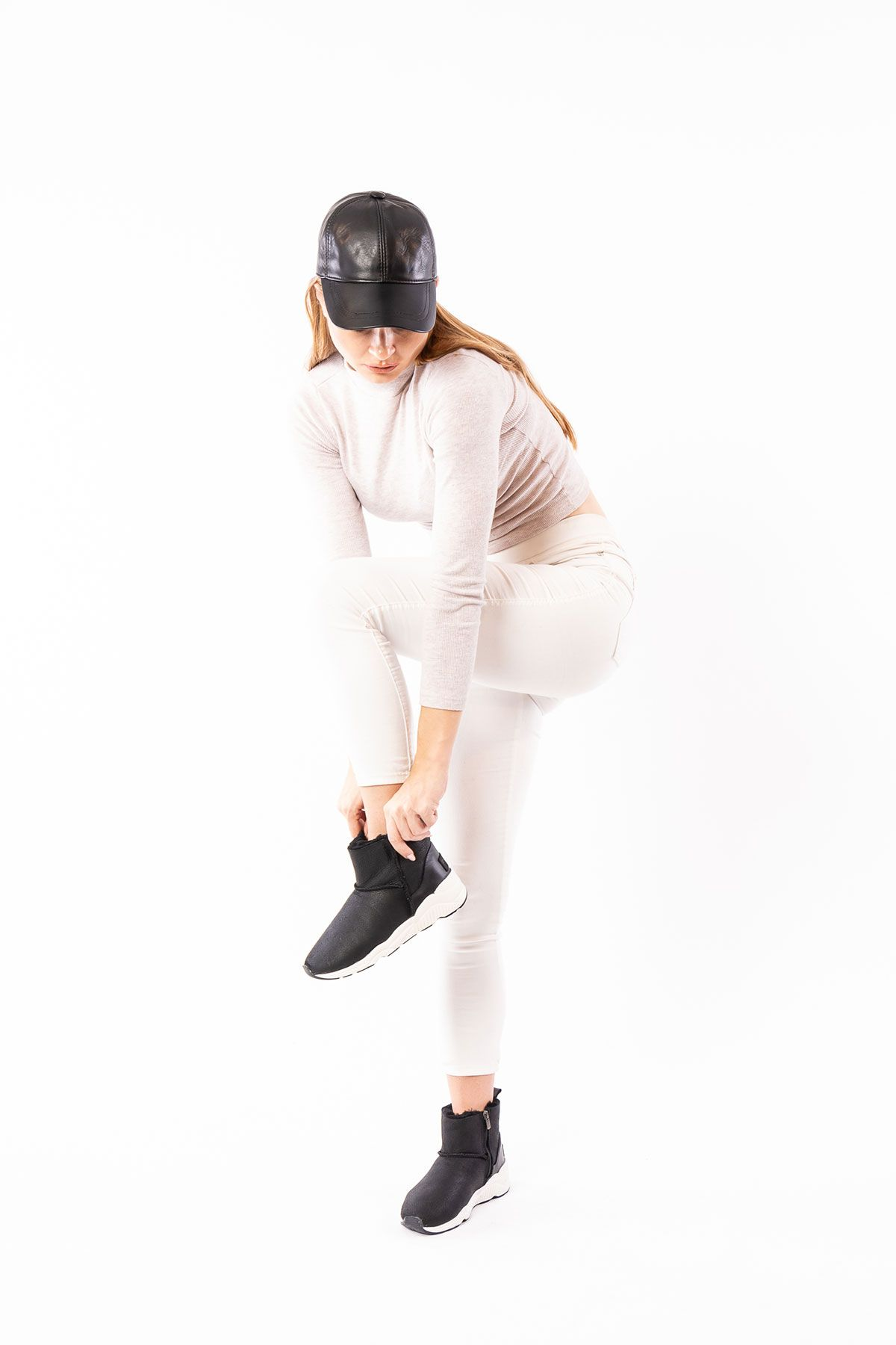 Pegia Hakiki Kürk Yandan Fermuarlı Bayan Kısa Bot 191057 Siyah