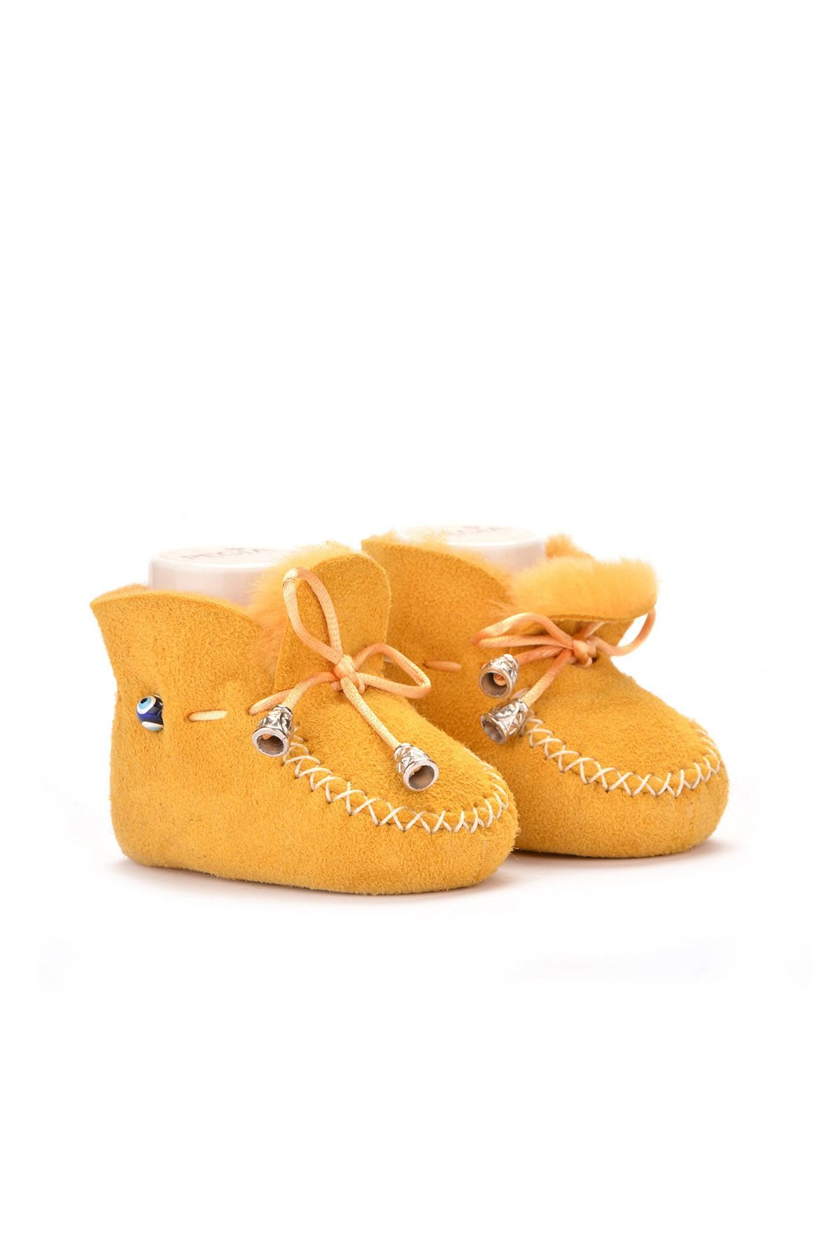 Pegia Hakiki Kürklü Bağcıklı Bebek Patiği 141003 Sarı