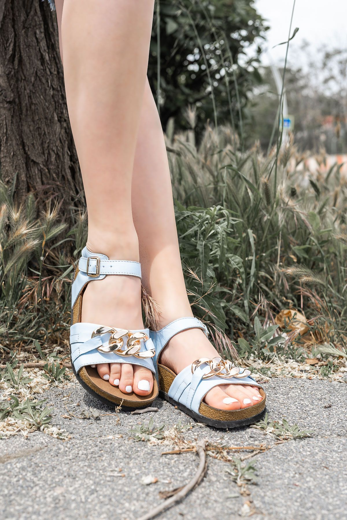 Pegia Women's Chain Detailed Leather Sandals 215534 Blue