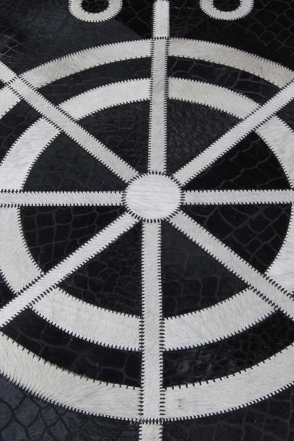 Erdogan Deri Calfskin Rug With Maritime Pattern Black