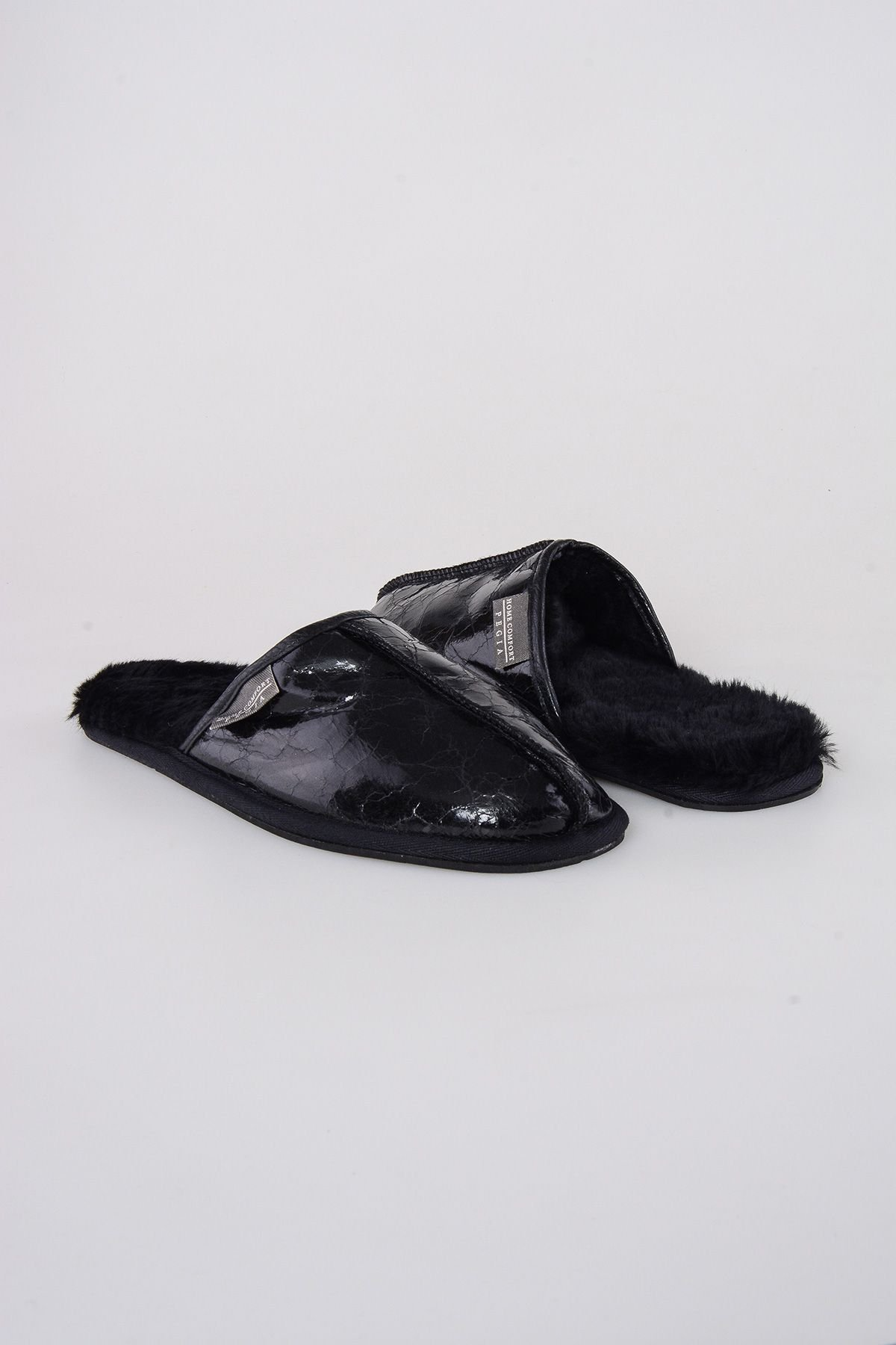 Pegia Shearling Men's Slippers 111007 Black