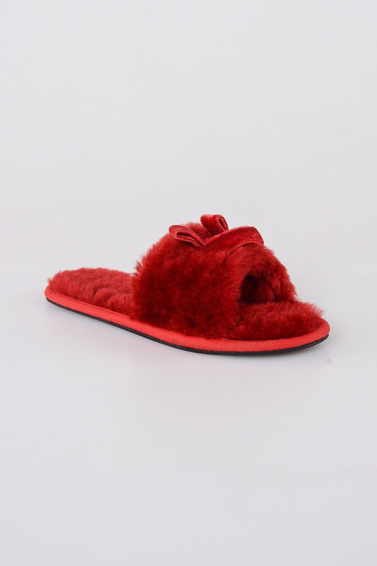 Pegia Hakiki Kürk Fiyonklu Bayan Ev Terliği 191093 Kırmızı