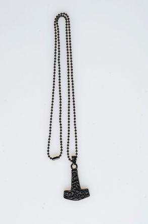 Pegia Deri Kılıflı Metal Kolye 19KL23 Siyah